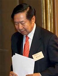 習兩會前出擊香港 陳佐洱去職 曾蔭權獲罪