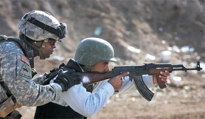 >伊拉克新策略仍是爭論中心