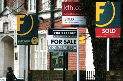 英國房價十年飆升恐崩盤