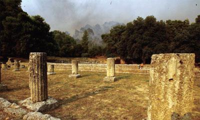 >希臘大火  古神廟險遭焚毀