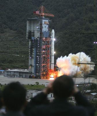 中國首次探月 嫦娥不再寂寞