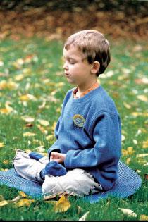 讀書前靜坐  可增加學習效果