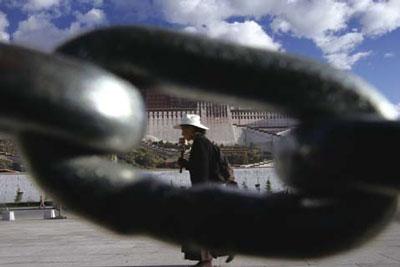 鐵幕下的西藏滄桑
