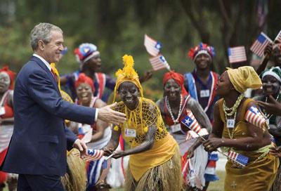 布什在非洲給中共的一記重拳