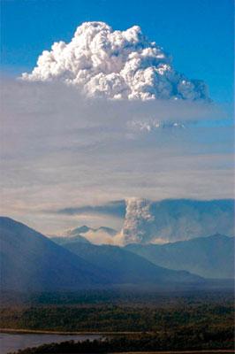 智利   沉睡千年火山爆發