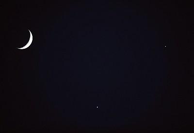 >【天文奇觀】雙星伴月東西方不同