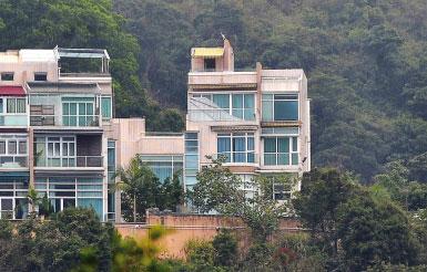 穆加貝香港購豪宅 留後路