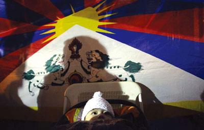 一部真實的謊言── 評中共《西藏民主改革50 年》白皮書