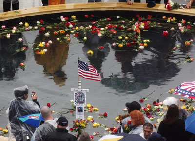9.11 八周年 美各地緬懷死難者
