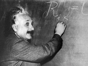 世紀大辯論:達爾文vs.愛因斯坦