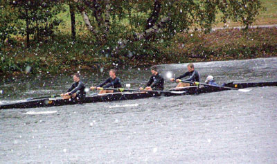 查爾斯河「河首」划艇大賽 風雪無阻