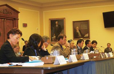 中國計劃生育受害者 冒險作證美國會