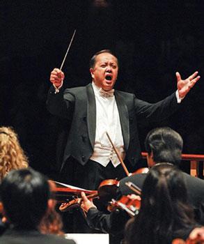 華裔指揮第一人林旺傑 用熱情實現交響指揮夢