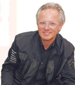 世界頂級跑車設計師赫拉希奧.帕賈尼