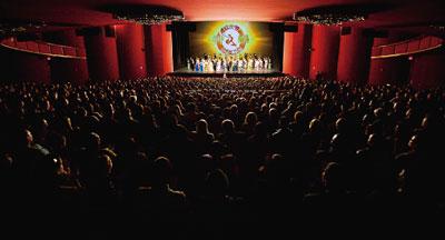 神韻引領觀眾進入中國鼎盛時期