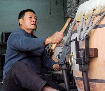 【百工巡禮】天上來的鼓 製鼓師傅梁正穎談傳統製鼓