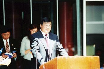 5.13法輪大法日  李洪志大師傳奇