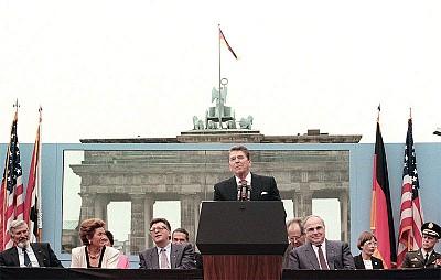 美國政壇內幕 雷根「柏林牆」演說之爭