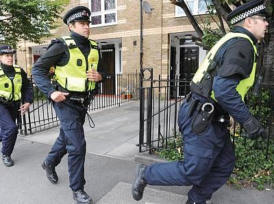 英國暴動突顯社福政策負效應