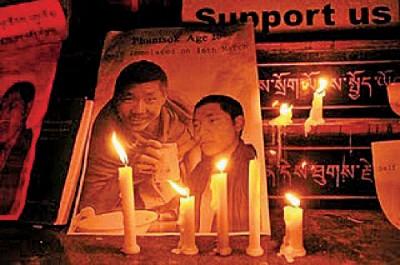藏人接連自焚 中共倒打一耙