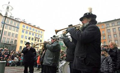 節慶聚焦|慕尼黑桶匠舞2012再現 勿忘瘟疫教訓