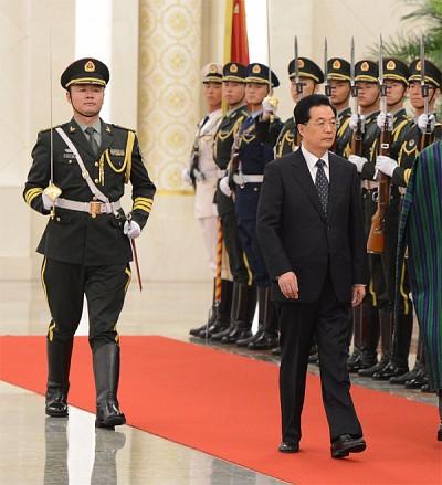 險遭暗殺  胡錦濤隱忍十年奪軍權
