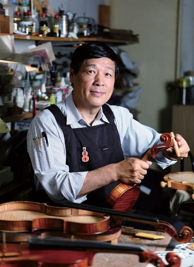 >天意奇緣 鋪就王聖哲小提琴修復藝術之路