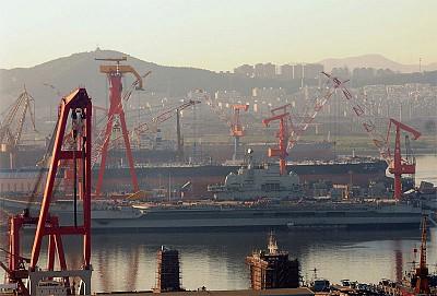 全球媒體點評中國首艘航母出臺