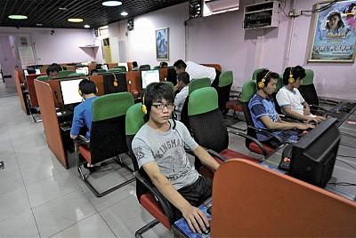 黨官承認北京豢養200萬「五毛」