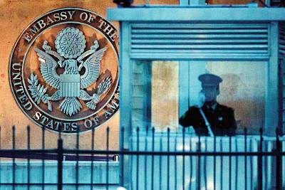 美國何必發簽證給中共間諜?