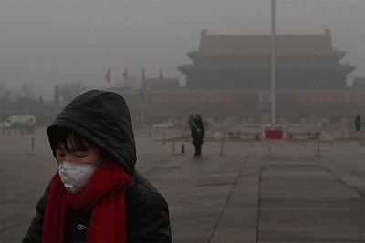 天安門霧霾遮罩  兩會前北京繃緊