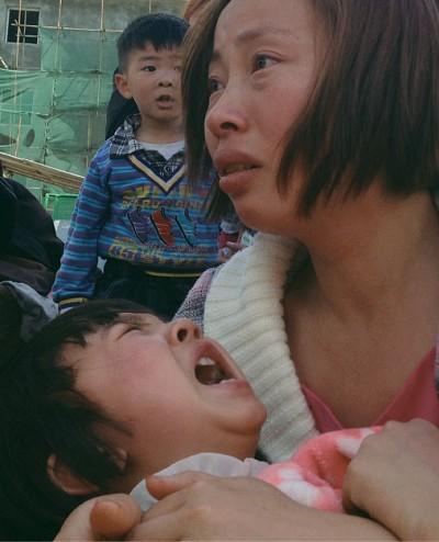 四川雅安地震如「翻天覆地」 傷亡逾萬人