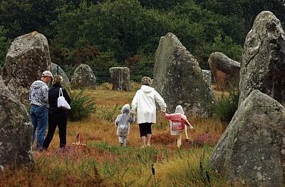 探訪布列塔尼史前巨石 走進未知古老文明