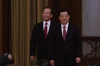 胡朱溫再「露面」 江澤民失蹤八個月