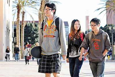 中國留學生帶來鈔票 但與美國文化疏離