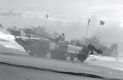 中共坦克奔行200公里40輛「趴窩」