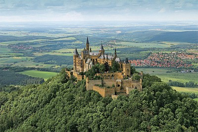 遊觀德國霍亨索倫堡 感受德國皇室發源地的威嚴