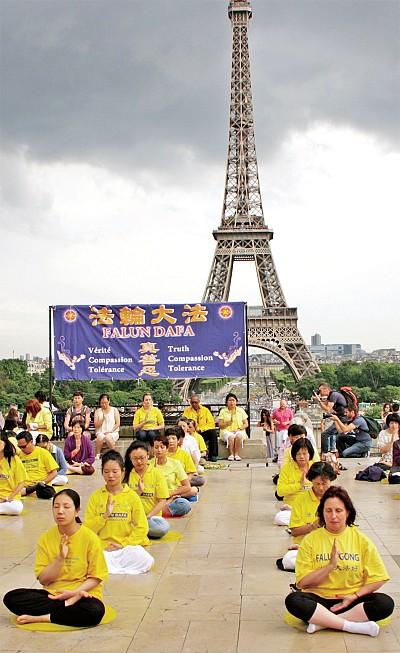 巴黎遊客:你們才是真正的民族英雄