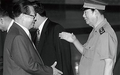 張萬年助瀾江澤民軍中鎮壓法輪功內幕曝光