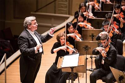 專訪神韻交響樂團指揮納切夫