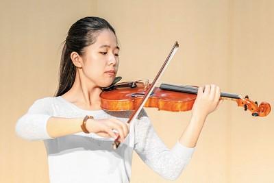 專訪神韻交響樂團 小提琴獨奏家鄭媛慧