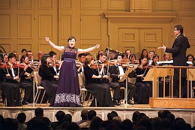 回響心中的歌 採訪神韻交響樂團女高音耿皓藍