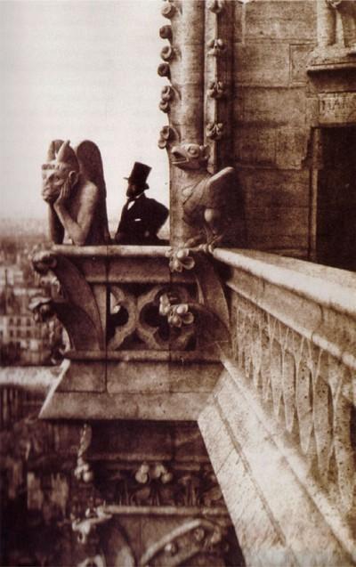 宿命——《巴黎聖母院》的重要主題