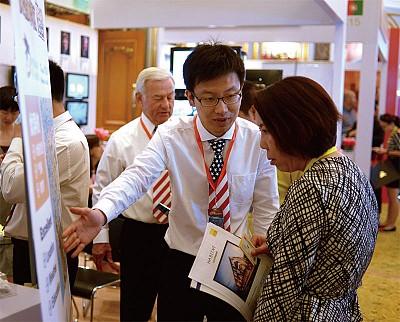 人民幣持續貶值 中國富人加速海外投資