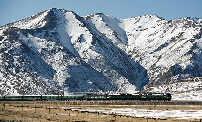 中國瓶裝水工業盯上了青藏高原
