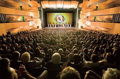 神韻轟動北嶺演藝界 奧斯卡艾美獎得主盛讚
