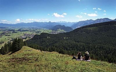 擁抱阿爾卑斯山綺麗風光