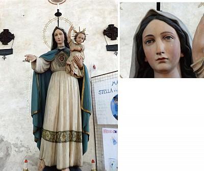 意大利中世紀教堂裡 流淚的聖母塑像