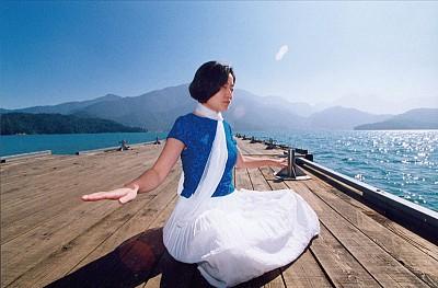 >實驗證明:學打坐冥想 欠正念者可平定情緒