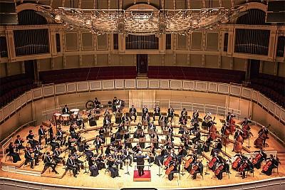神韻交響樂芝加哥演出 觀眾:純正強大能量